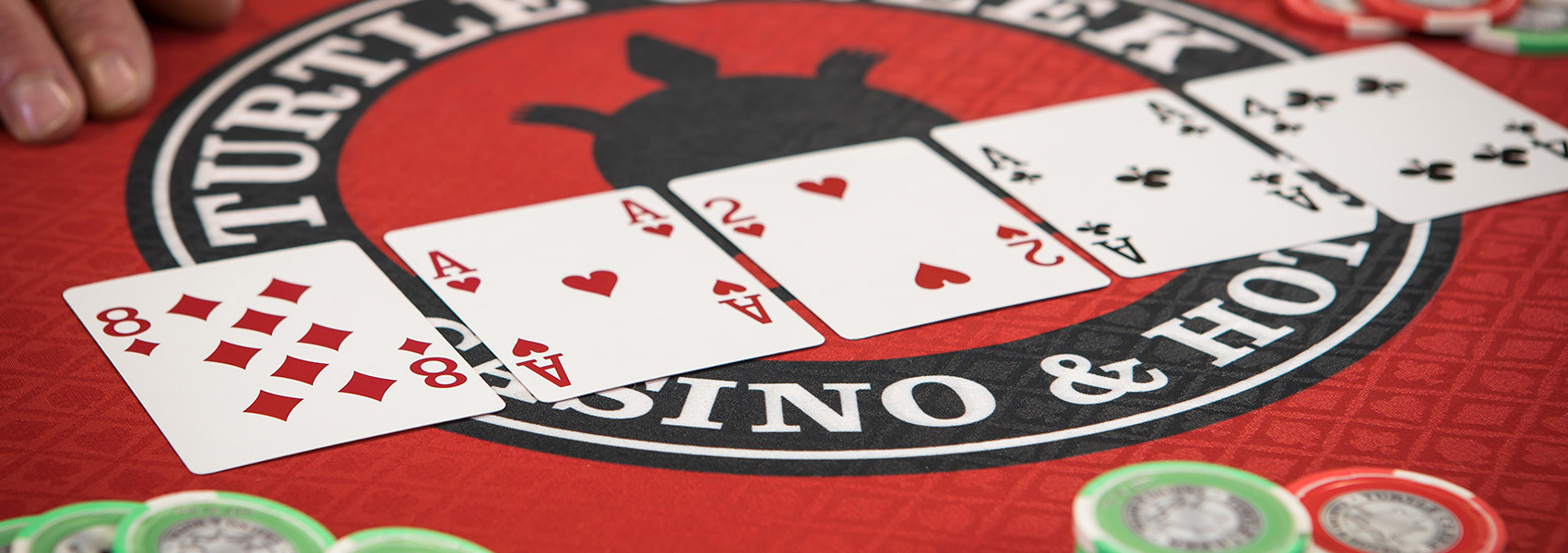 Get Attractive Facilities by Joining the Online Poker Gambling Site